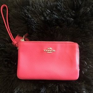 Coach Pebbled Leather Double Zipper Wallet - Pink